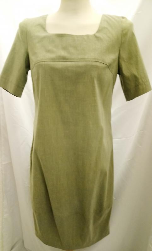 Schmales, grünes Sommerkleid