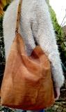braune Wildledertasche